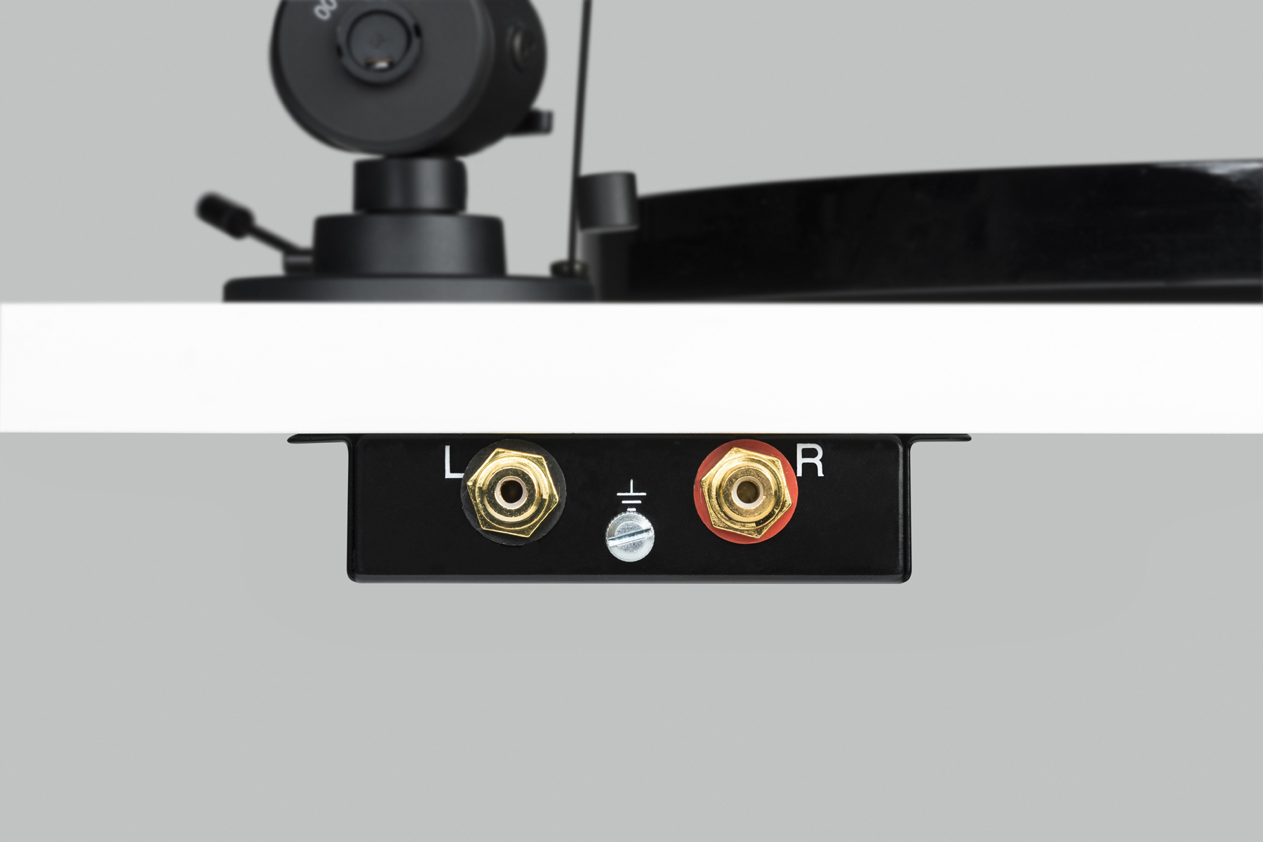 Pro-Ject Essential III SB (Ortofon OM 10) piano red