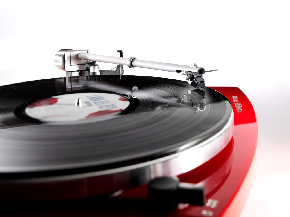 Thorens TD 206 highgloss red
